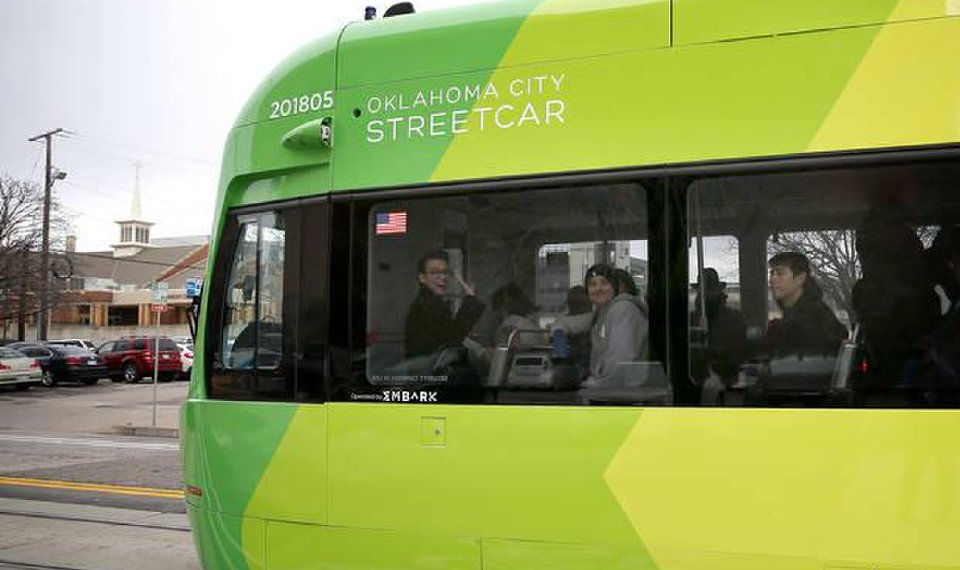 Weekend ridership tops 10,000 as Sunday streetcar service