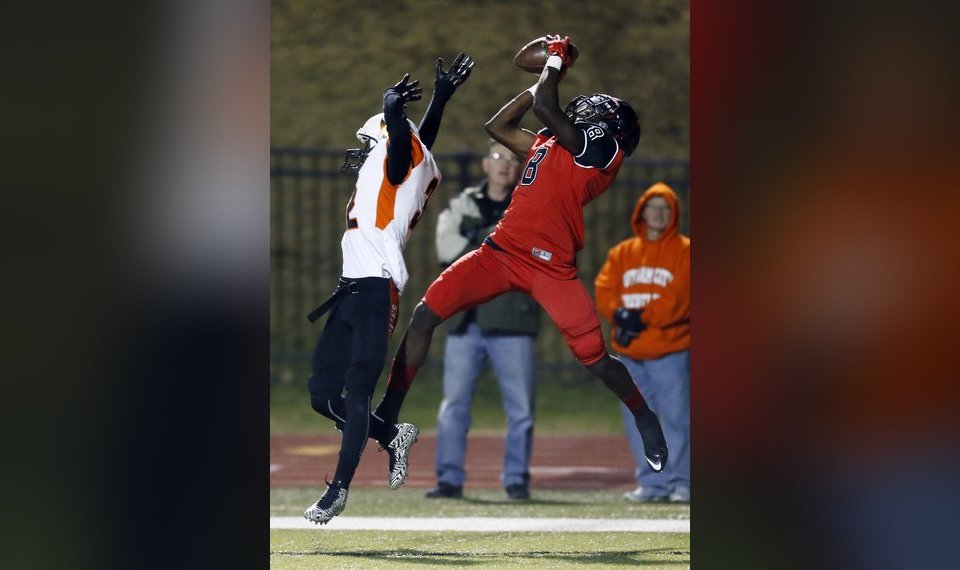 High school notebook: Lamar offers three local football players