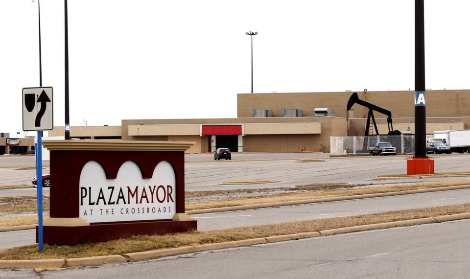 Oklahoma City's Plaza Mayor at the Crossroads to close Oct  31