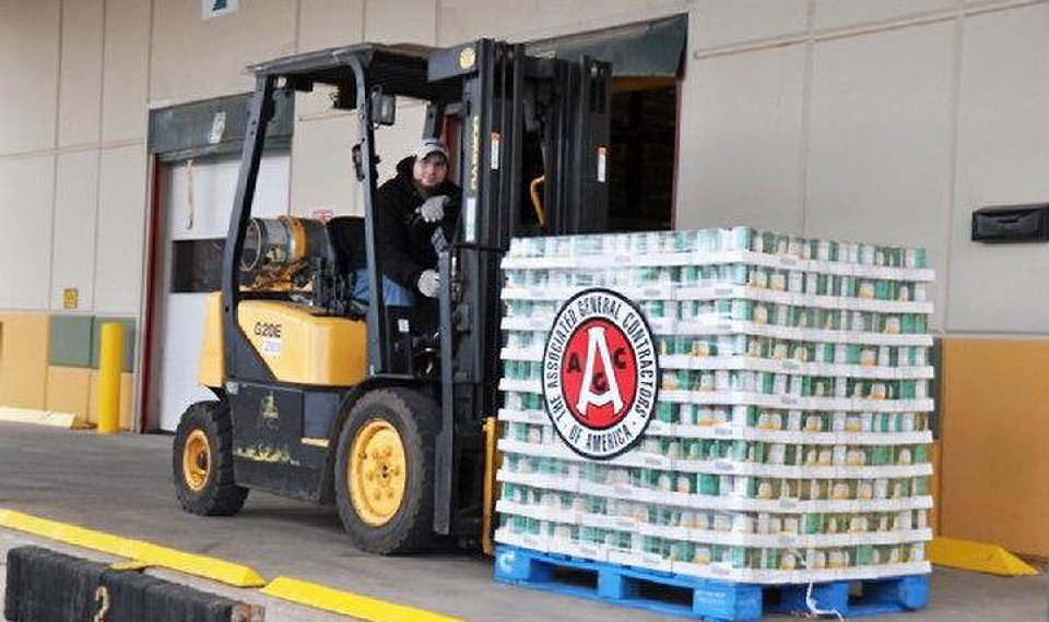 Oklahoma Contractors Donate 10 Tons Of Food To Food Bank
