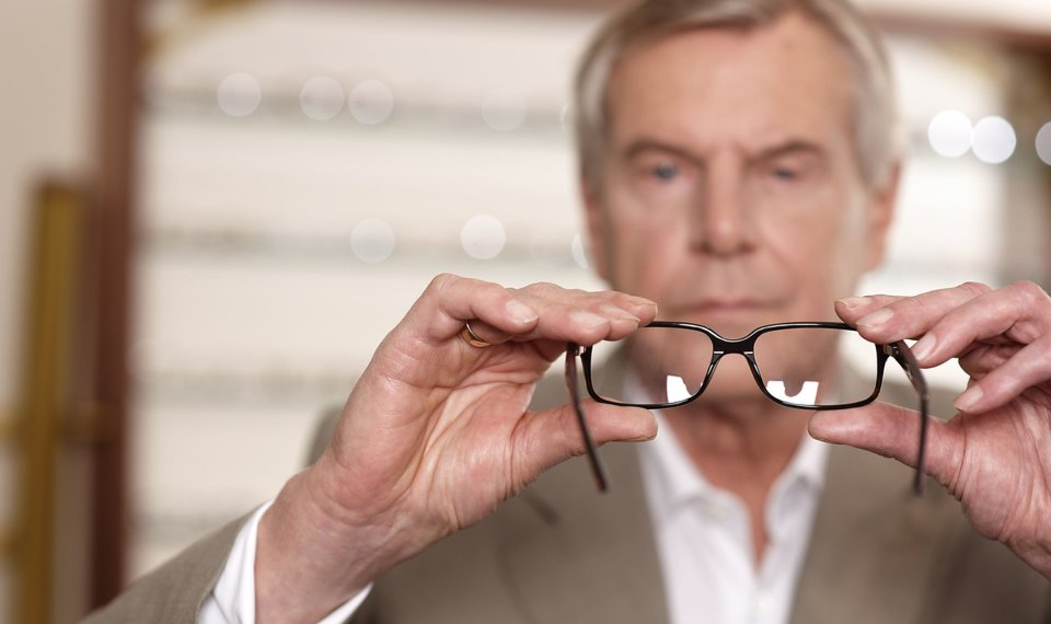 7d2ffc19b9 The Savvy Senior columnist Jim Miller writes that one way to cut vision  care costs could