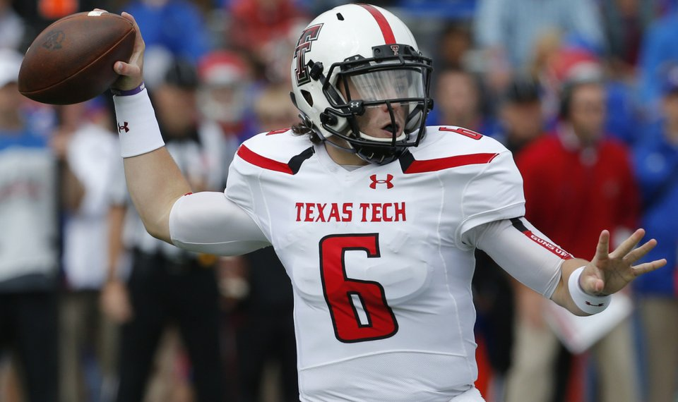 d458f53e392 Texas Tech quarterback Baker Mayfield (6) passes to a teammate during the  first half