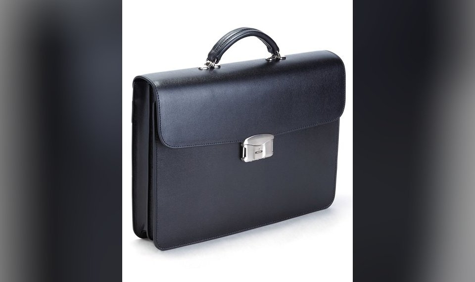 0310d9db5b04 The Royce Leather Freedom Briefcase with fingerprint technology allows a  user to choose who can access