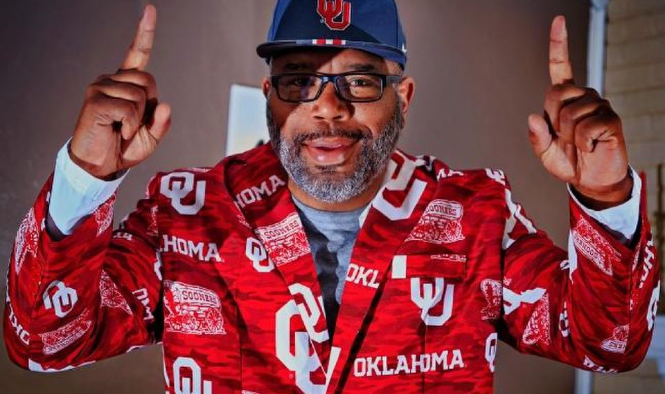 89517445355 OU basketball  Kristian Doolittle s father uses an outrageous jacket to let  the Sooners know they are supported