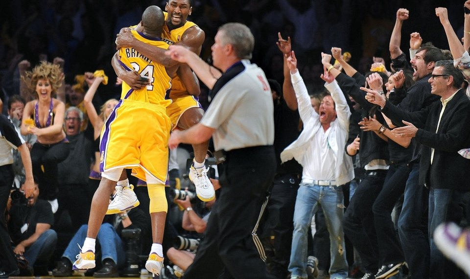 Ron Artest S Buzzer Beater Lifts Los Angeles Over Phoenix