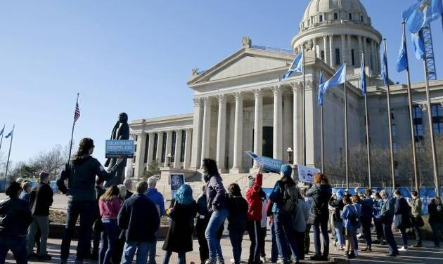 cae3f3babfd Students gather at Oklahoma State Capitol to plead for action on climate  change