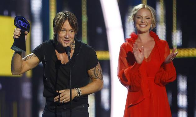 Keith Urban wins big at CMT Awards
