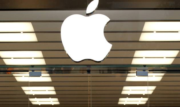 Apple joins driverless auto test applicants