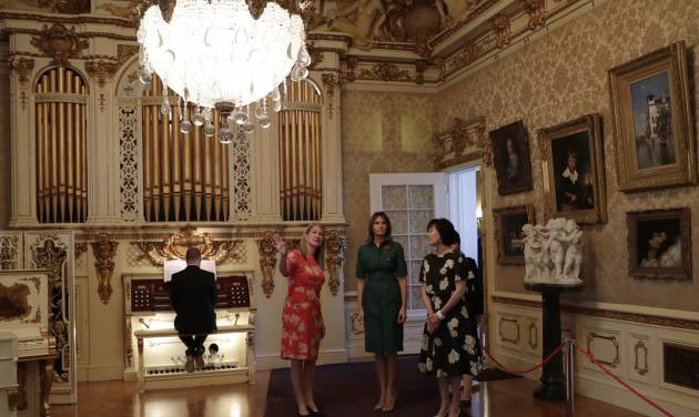 Melania Trump takes Japan's first lady to historic mansion