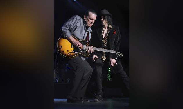 Guitarist J. Geils dead at 71