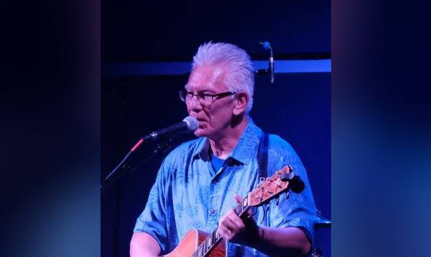 Singer-songwriter Phil Smith will perform Saturday at the Arcadia Round Barn. [PHOTO PROVIDED]
