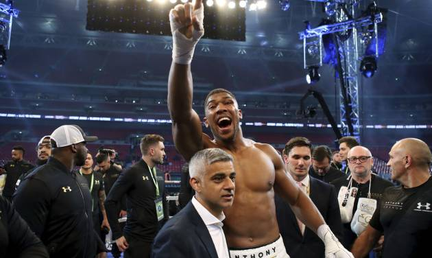 Wladimir Klitschko in no rush to decide future after Wembley loss
