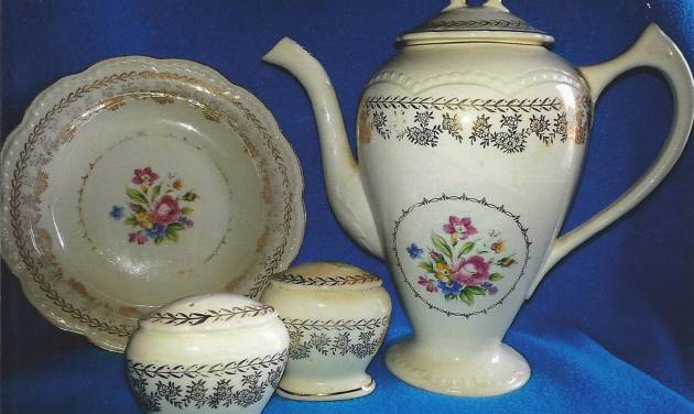 Q&A on collecting: Dinnerware is vintage American Beauty