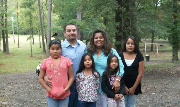 Gregory and Jeanette Bohanan with their daughter Sofia, Angelica, Naomi and Rabecca.