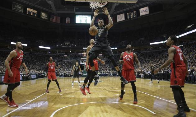 Raptors shut down Bucks and tie series at 2 apiece