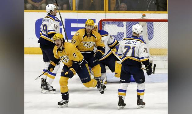 Tarasenko scores twice as Blues beat Predators 3-2