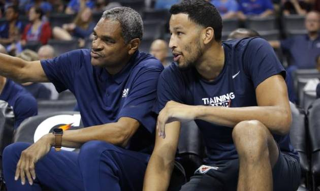 Oklahoma City coach Maurice Cheeks talks with Andre Roberson (21) during the Thunder Blue and White Scrimmage in 2018. [Sarah Phipps/The Oklahoman]