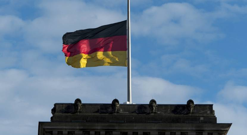 Germans mourn death of former Chancellor