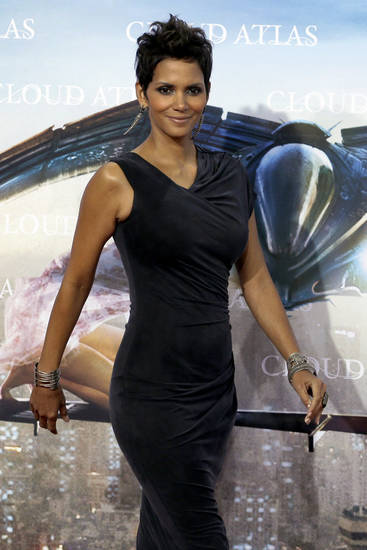 halle berry to return as storm for xmen days of future