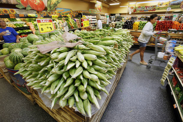 Shoppers enjoy the new Sunflower Farmers Market grocery store in Oklahoma City, OK, Tuesday, Aug. 30, 2011. By Paul Hellstern, The Oklahoman