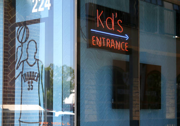Kevin durant decision affects oklahoma businesses for Kd s restaurant