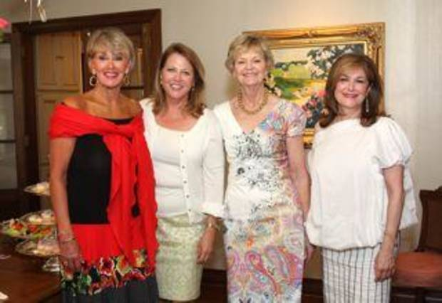 Parties Extra!---Liza Cryder honored at shower in Oklahoma City
