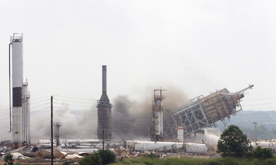 Photo -  A fluid catalytic cracker is demolished at the old refinery between Comanche and Duncan in this photo from 2006.