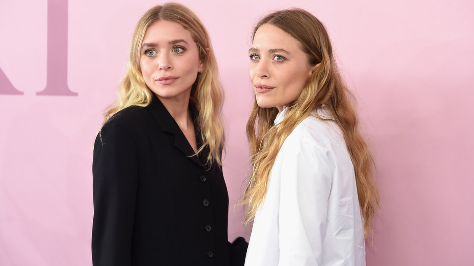 Photo - Ashley Olsen and Mary-Kate Olsen at the 2017 CFDA Fashion Awards at in New York City. Their lifestyle brand, Elizabeth and James, is heading to Kohl's.