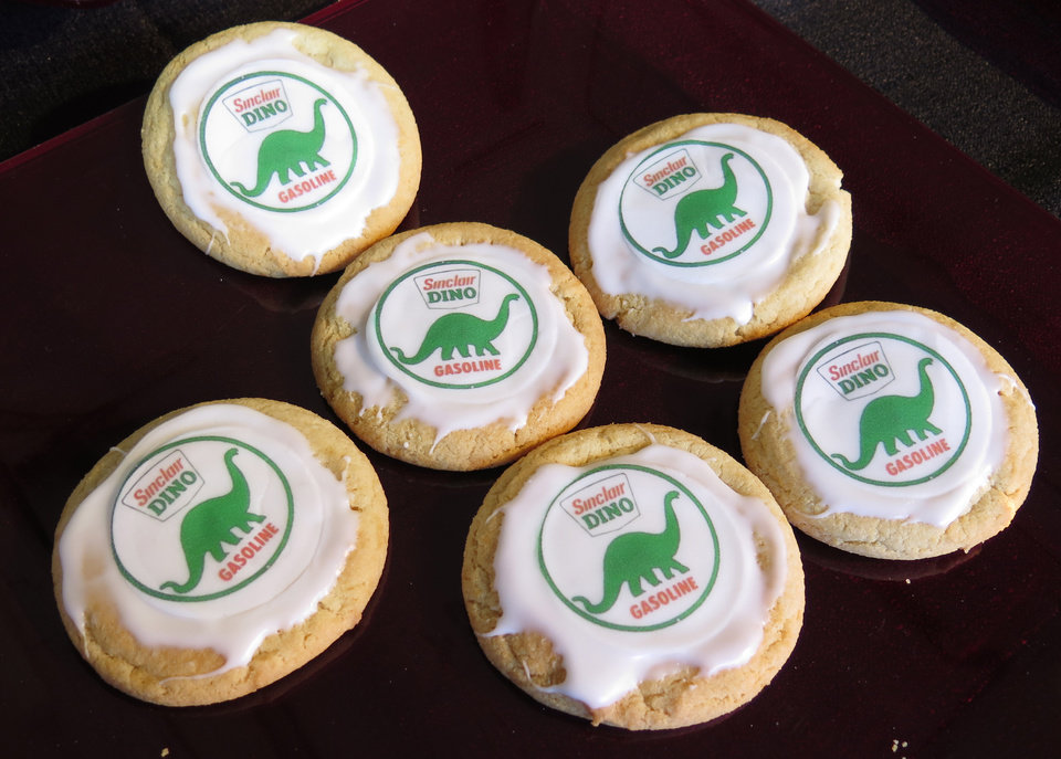 Photo -  Cookies showing the Sinclair Oil Corp.