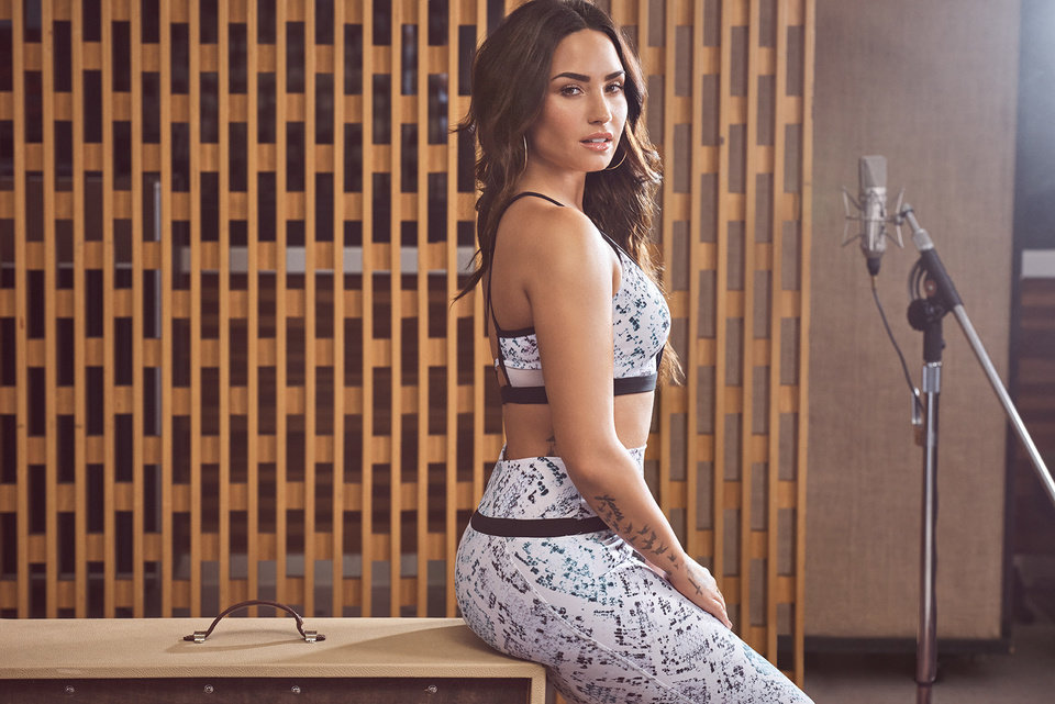 Photo - Demi Lovato wearing the Andante outfit in her January campaign for Fabletics (PRNewsfoto/Fabletics)