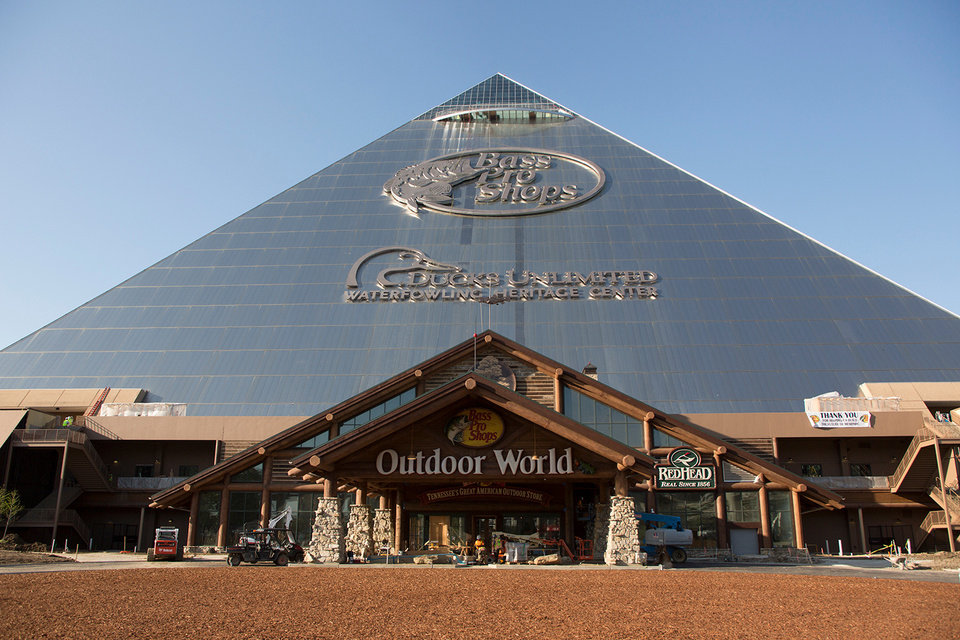 Memphis Pyramid Reopens As Hotel Shop And Outdoor Themed