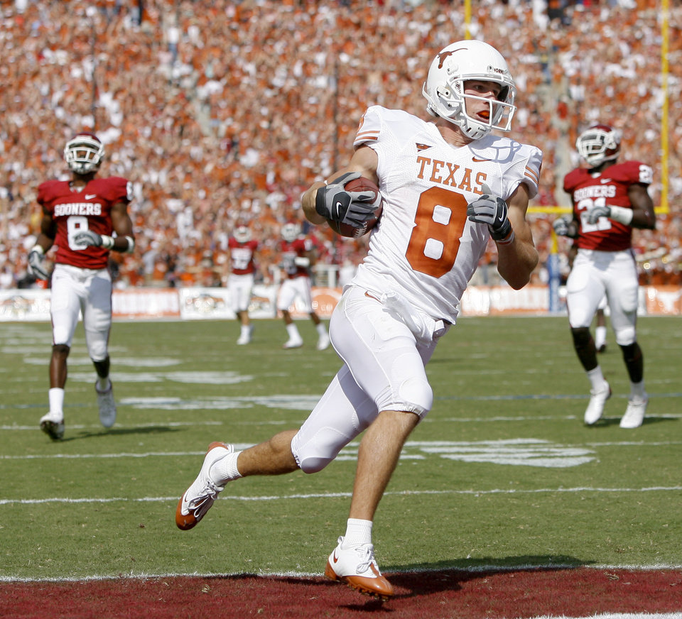 Photo - Jordan  Shipley of Texas scores a touchdown on a kick return during the first half of the college football game between the University of Oklahoma Sooners (OU) and University of Texas Longhorns (UT) in the Red River Rivalry on Saturday, Oct. 11, 2008, at the Cotton Bowl, in Dallas, Texas. By Bryan Terry