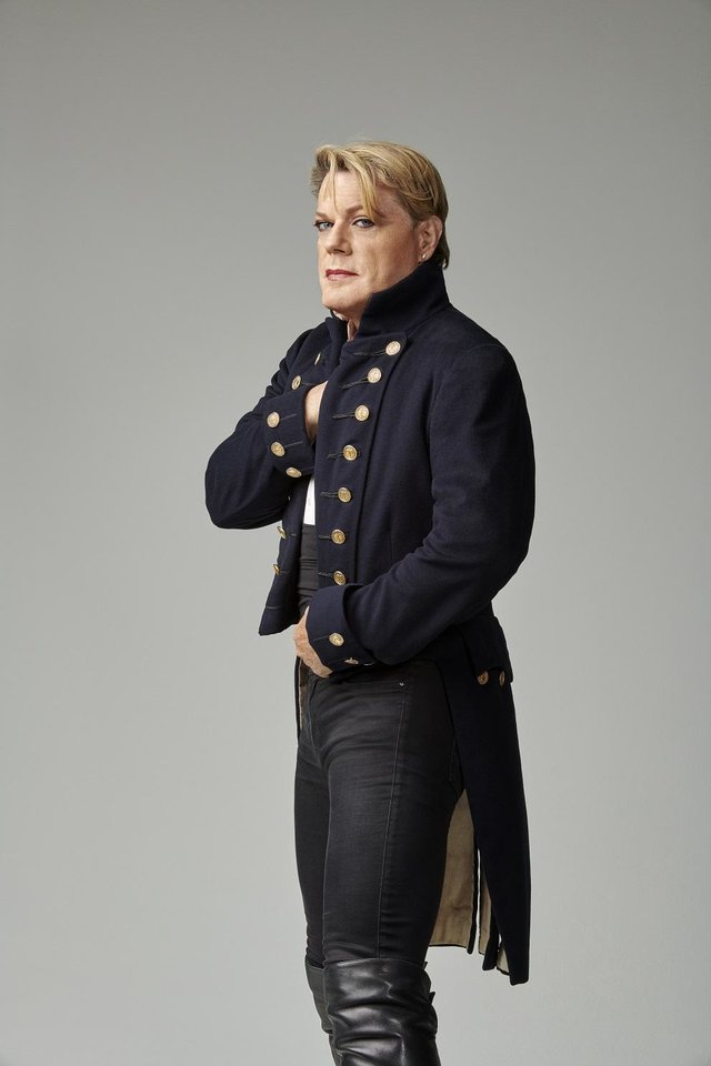 Photo - Eddie Izzard. [Photo by Amanda Searle]