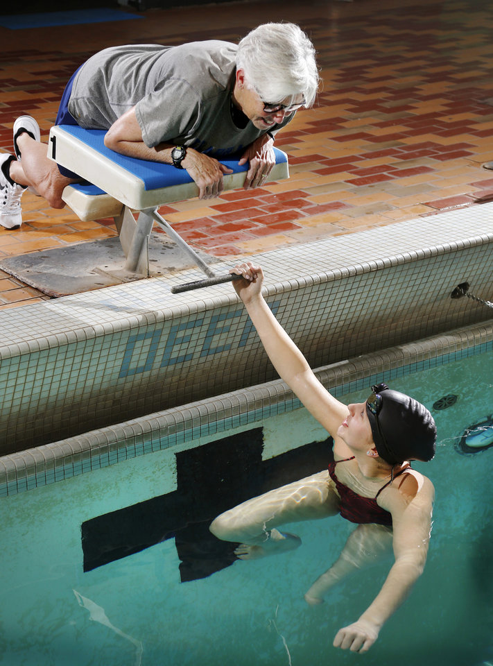 High school swimming choctaw 39 s gabby clabes finds hope in for Pool show okc
