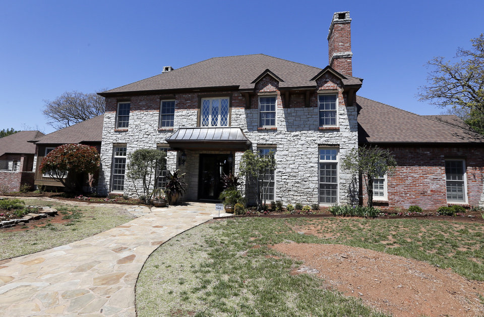 Photo -  The Oklahoma City Orchestra League's 2018 Symphony Show House, 3115 Dutch Forest Lane. [PHOTO BY NATE BILLINGS, THE OKLAHOMAN ARCHIVES]