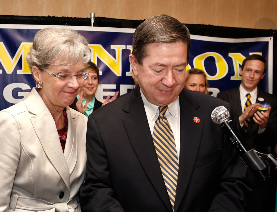 Photo - Drew Edmondson and wife, Linda, at gubernatorial primary election watch party for Drew Edmondson at the Sheraton Hotel in downtown Oklahoma City, Tuesday, July 27, 2010.  Photo by Jim Beckel, The Oklahoman