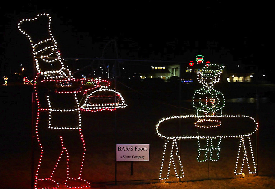 Photo - Snowman Wonderland in Seminole, Monday, December 3, 2012.  Story on how an Oklahoma community has come together for a Christmas celebration of Lights. Photo By David McDaniel/The Oklahoman