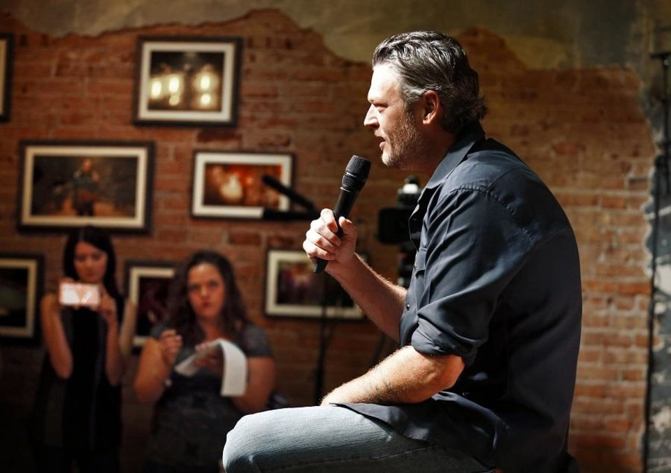 Photo - Entertainer Blake Shelton fields questions seated on the stage of his Ole Red restaurant/bar on Friday, Sept. 29, 2017 in Tishomingo, Okla. [The Oklahoman Archives]