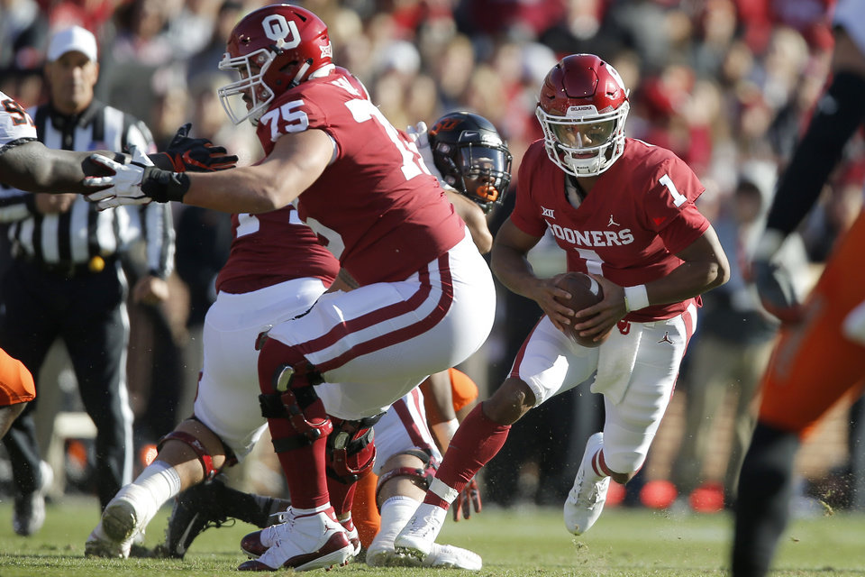 Photo - Oklahoma's Kyler Murray (1) scrambles during a Bedlam college football game between the University of Oklahoma Sooners (OU) and the Oklahoma State University Cowboys (OSU) at Gaylord Family-Oklahoma Memorial Stadium in Norman, Okla., Nov. 10, 2018.  Photo by Bryan Terry, The Oklahoman