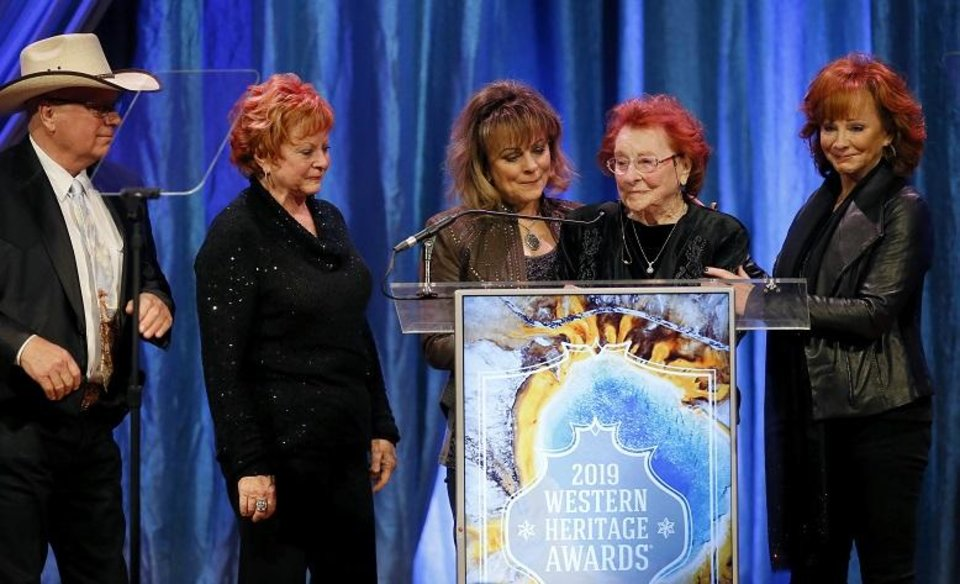 Reba Mcentire And Family Photos and inte...