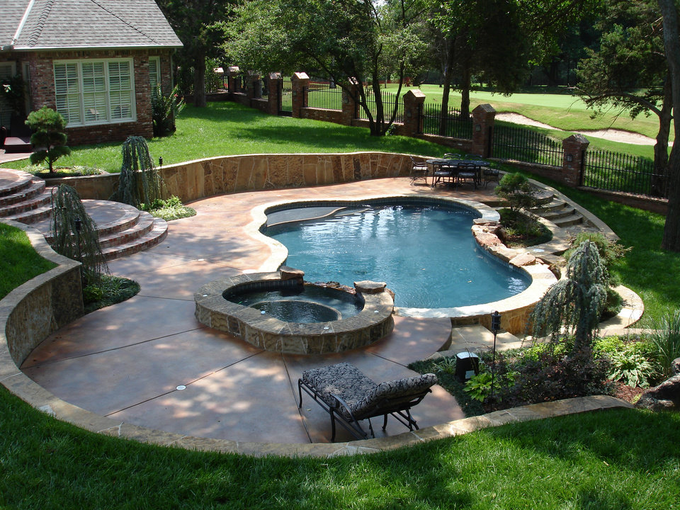 Oklahoma city pool company wins pair of awards for top for Swimming pool spa designs