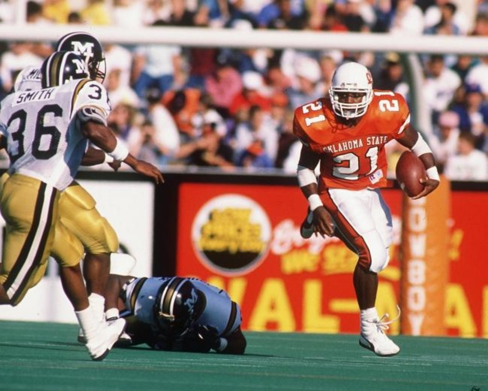 Photo -  Barry Sanders gave Missouri and every other opponent fits in 1988. [OKLAHOMAN ARCHIVES]
