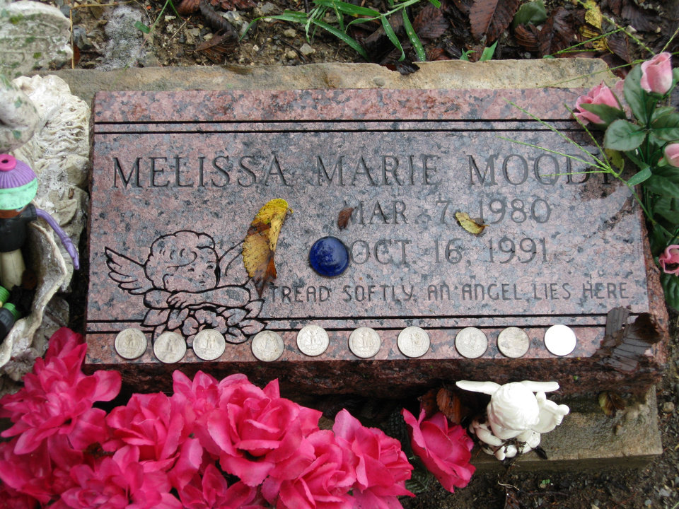 Photo - ATOKA CASE / JESSIE CUMMINGS / JESSIE JAMES CUMMINGS / MURDER / JUDY MAYO / JUDY MOODY MAY0: The gravemarker of Melissa Moody at the Lehigh Cemetery.