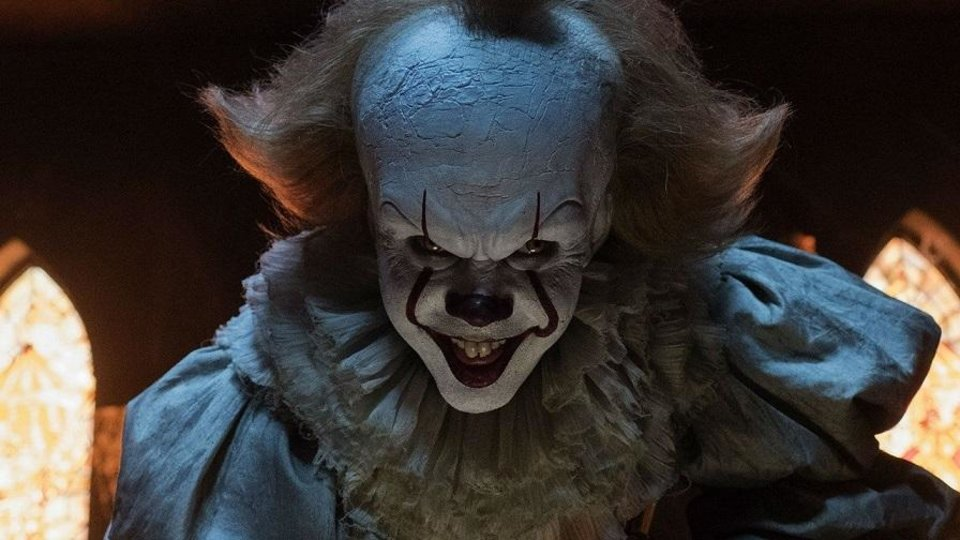 Photo - Bill Skarsgård reprises his role as Pennywise in