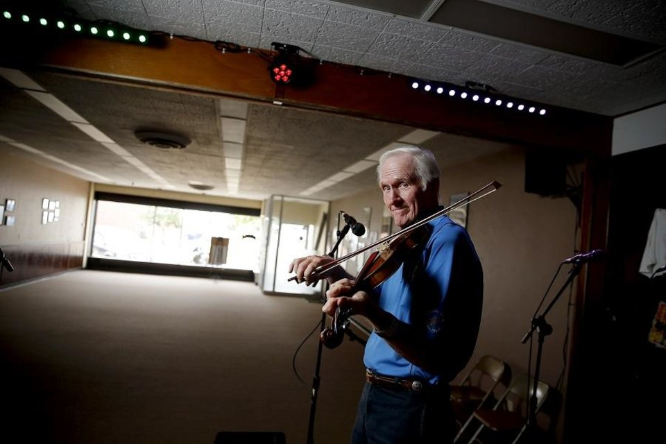 Extended interviews, photos and video: Oklahoma music icon Byron