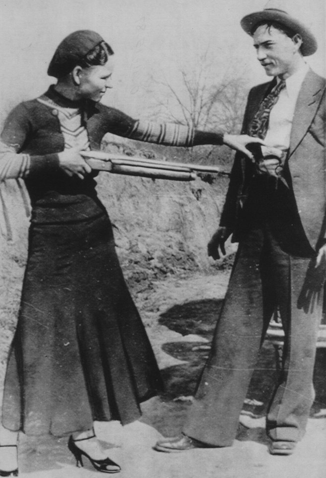 Photo - Bonnie Parker and Clyde Barrow, legendary criminals   (11/15/87)