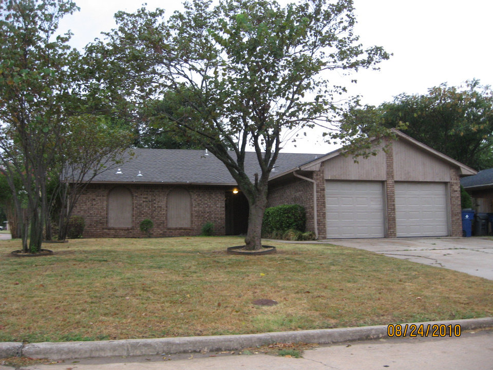 Photo - The federal government also is seeking to seize this $107,384 house at 1700 Erin Place in Oklahoma City . The owner of the property is listed as Mitchell Boys LLC.  Oklahoma County assessor - Oklahoma County assessor