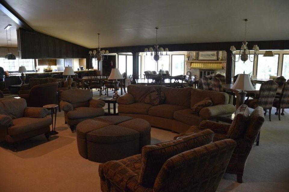 Photo - Spacious accommodations await groups at the NewView Oklahoma/Globe Life Lodge at Lake Tenkiller. [NEWVIEW OKLAHOMA]