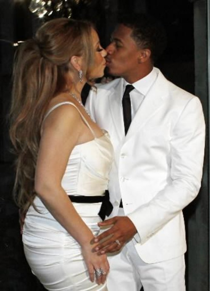 Mariah Carey And Nick Cannon Renew Wedding Vows