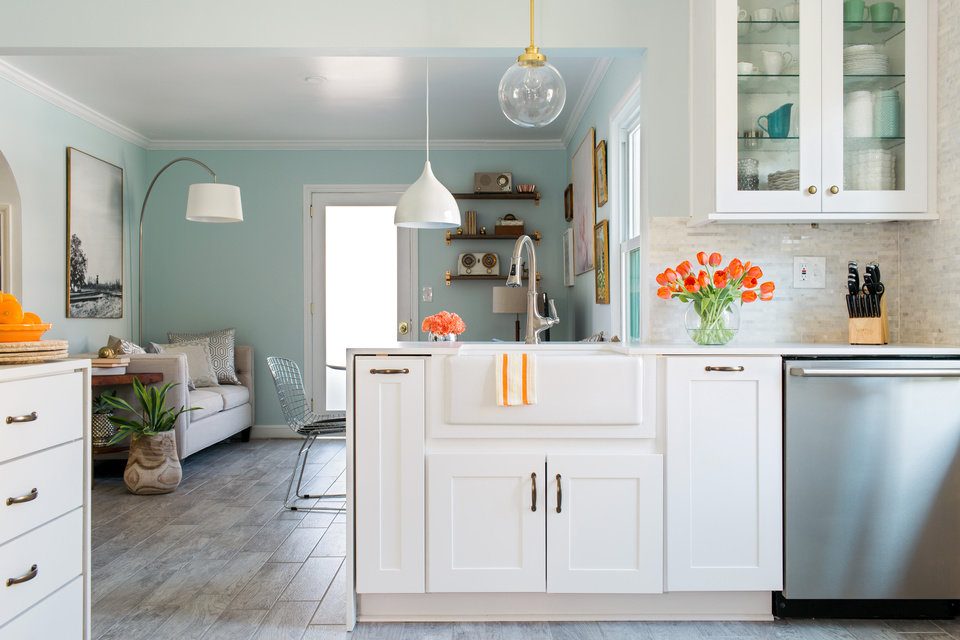 Marvelous When considering how to update her year old kitchen Lindsey Paris of
